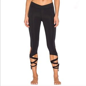 BNWOT free people X revolve turnout leggings